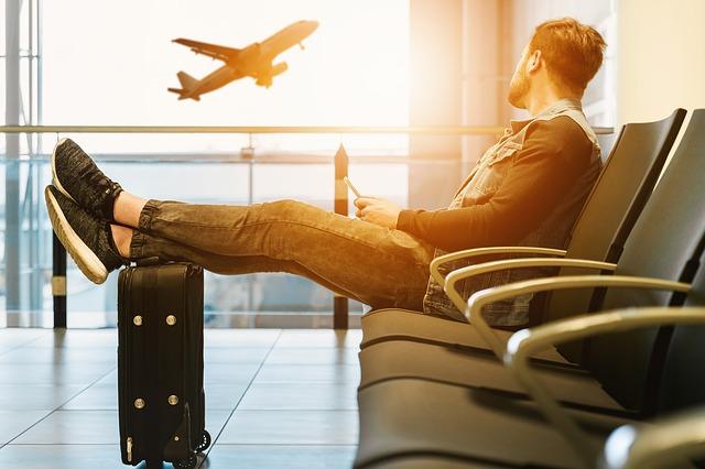 Cosa fare in aeroporto: guida per chi non ha mai viaggiato in aereo