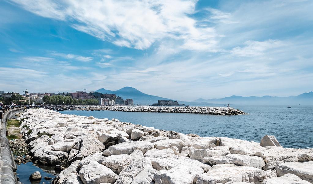 Hotel a Napoli: come scegliere il migliore per visitare la città e i dintorni