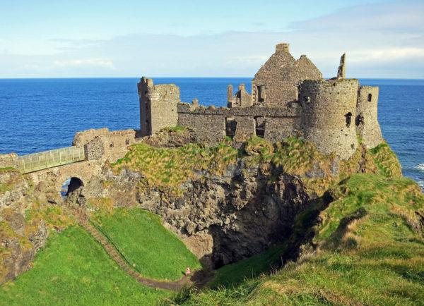 Dunluce Castle: un'attrazione da non perdere durante un viaggio in Irlanda