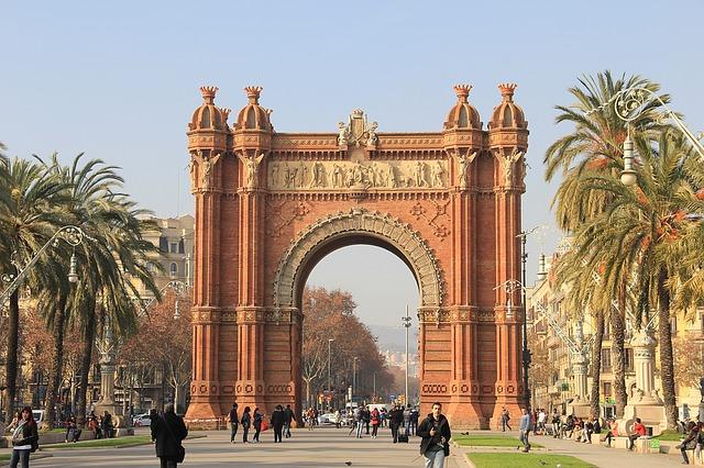 Come raggiungere Barcellona dall'aeroporto. Consigli utili.