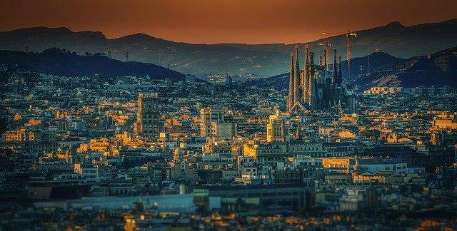 Cosa fare a Barcellona: 10 attrazioni da vedere nella capitale catalana