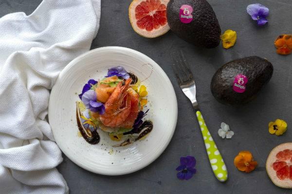 Torretta esotica di gamberi e avocado: una ricetta sfiziosa da preparare in 10 minuti